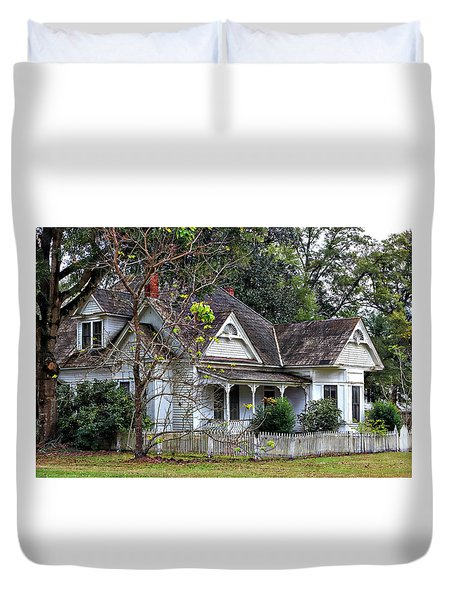 House With A Picket Fence Duvet Cover by Lynn Jordan