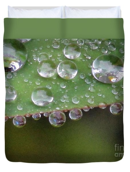 How Many Raindrops Can A Leaf Holds. Duvet Cover
