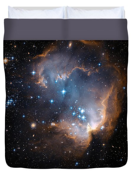 Hubble's View Of N90 Star-forming Region Duvet Cover