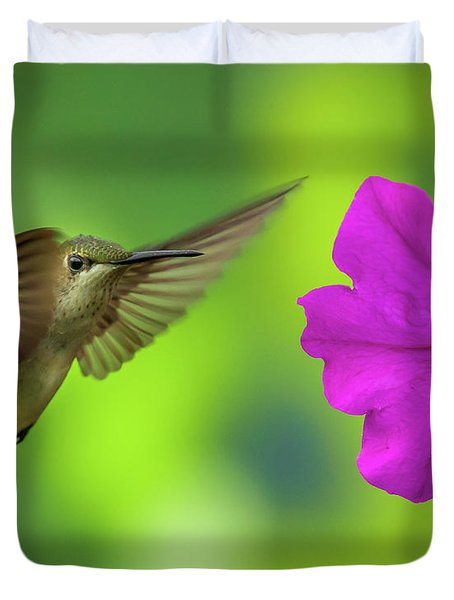 Hummingbird And Flower Duvet Cover