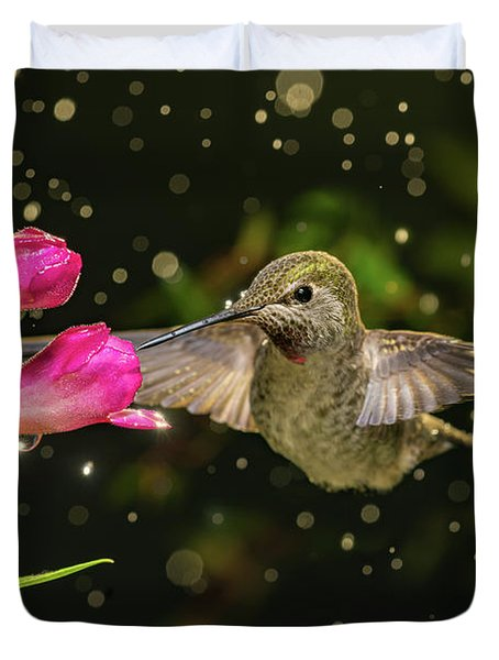 Duvet Cover featuring the photograph Hummingbird Visits Flowers In Raining Day by William Lee