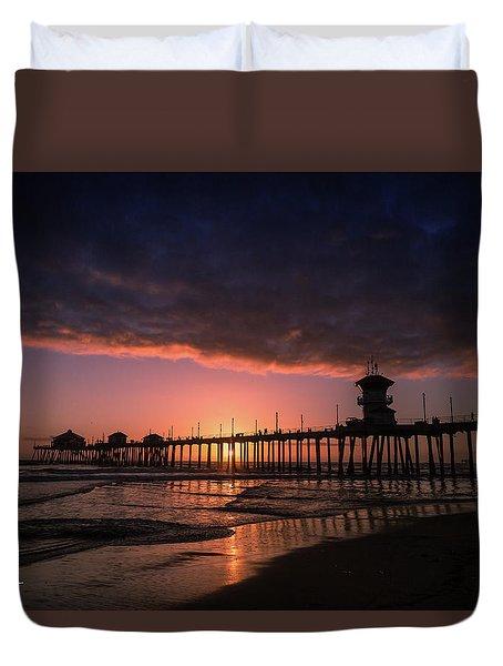 Huntington Pier At Sunset Duvet Cover