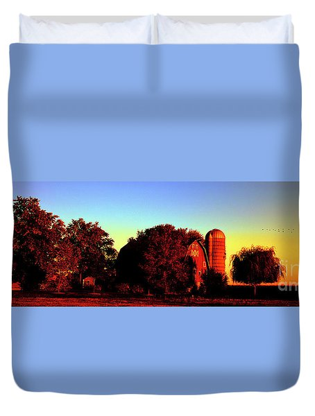 Huntley Road Barn Sunrise  Duvet Cover