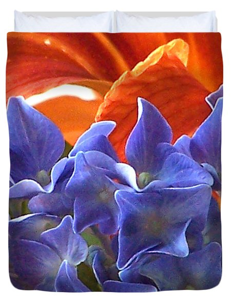 Hyacinth With Flames Duvet Cover