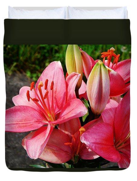 Hybrid Oriental Lilies Duvet Cover