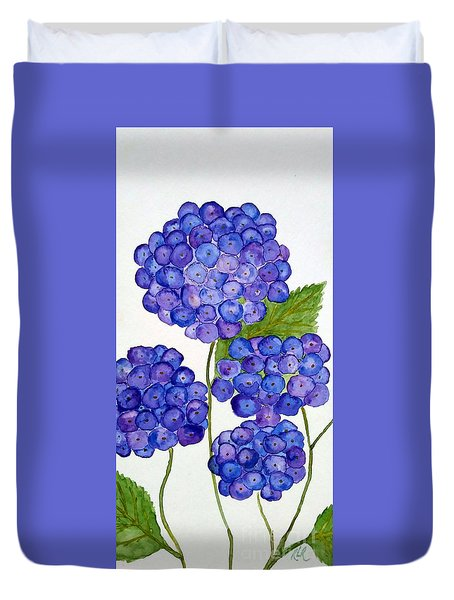 Duvet Cover featuring the painting Hydrangea by Reina Resto