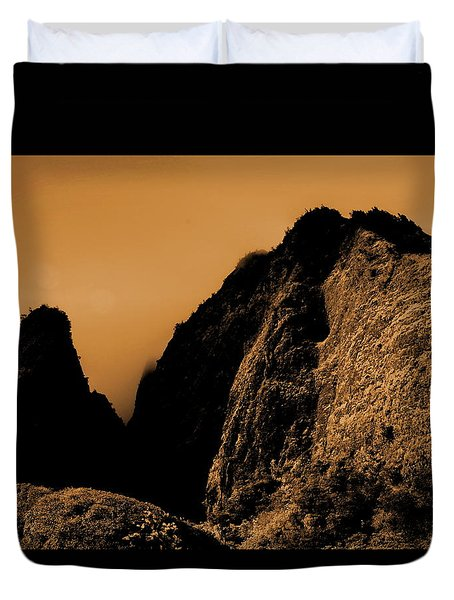Iao Needle Silhouette Duvet Cover