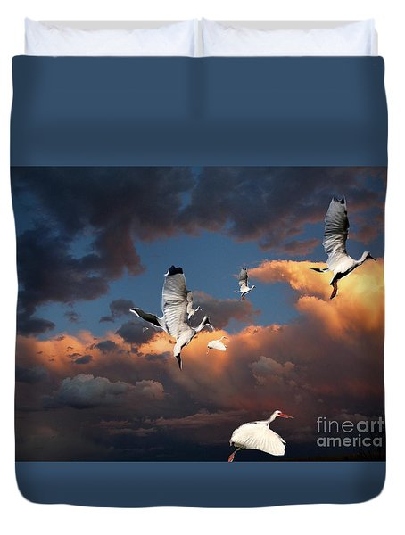 Duvet Cover featuring the photograph Ibis In Flight by Irma BACKELANT GALLERIES