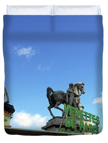 Ice Cream And The Statue Duvet Cover by Kathy Yates