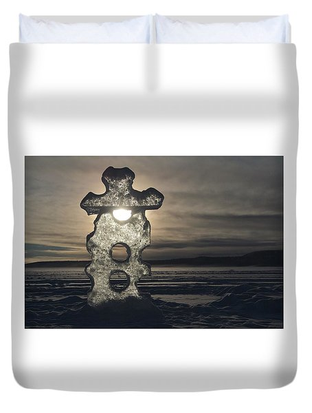 Duvet Cover featuring the photograph Ice Sculpter by Scott Holmes