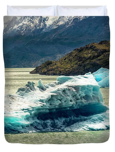Duvet Cover featuring the photograph Iceberg by Andrew Matwijec