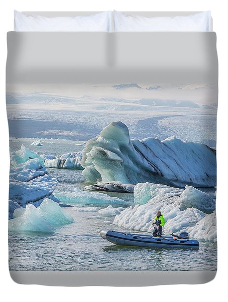 Icebergs On Jokulsarlon Lagoon In Iceland Duvet Cover