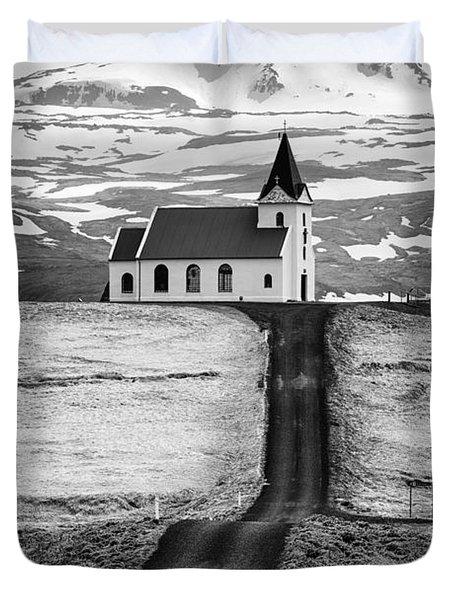 Iceland Ingjaldsholl Church And Mountains Black And White Duvet Cover