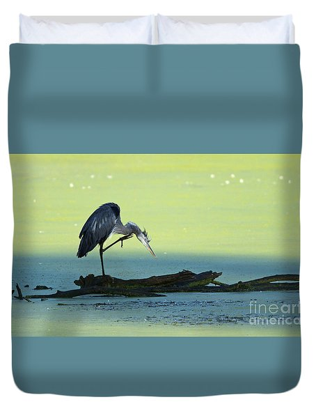 Ichy The Great Blue Heron Duvet Cover
