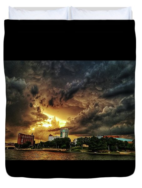 Ict Storm - From Smrt-phn Duvet Cover