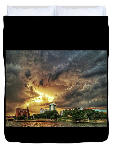 Ict Storm - From Smrt-phn L Duvet Cover