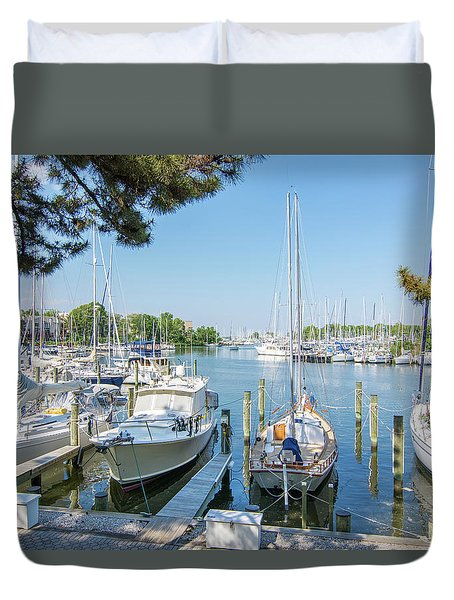 Duvet Cover featuring the photograph Idle Boats by Charles Kraus