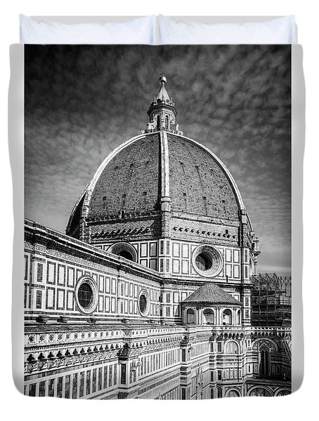Duvet Cover featuring the photograph Il Duomo Florence Italy Bw by Joan Carroll