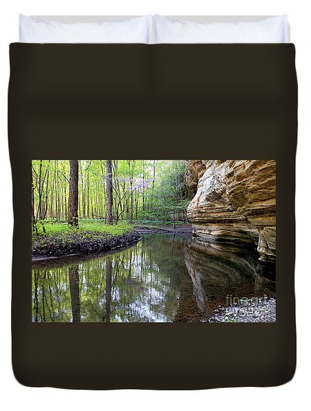 Illinois Canyon In Springstarved Rock State Park Duvet Cover