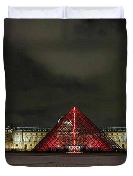 Illuminated Louvre Museum, Paris Duvet Cover