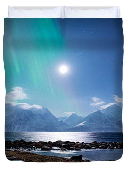 Imagine Auroras Duvet Cover