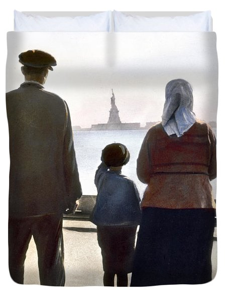 Duvet Cover featuring the photograph Immigrants: Ellis Island by Granger