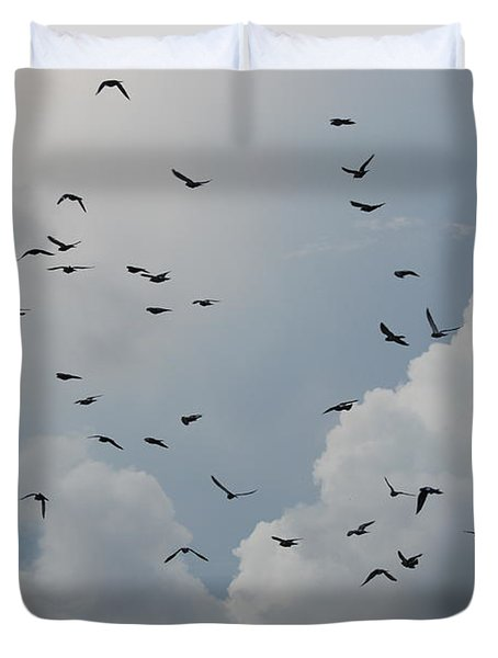Duvet Cover featuring the photograph In Flight by Rob Hans