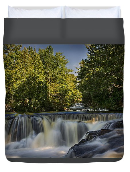 In The Middle Of The Middle Branch Duvet Cover by Dan Hefle