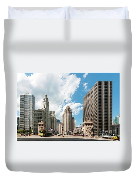 In The Middle Of Wacker And Michigan Duvet Cover
