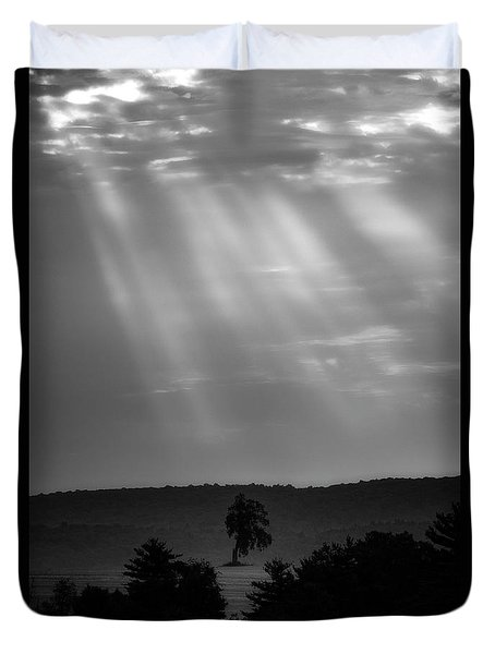 Duvet Cover featuring the photograph In The Spotlight by Bill Wakeley