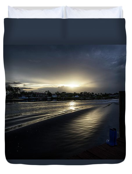 Duvet Cover featuring the photograph In The Wake Zone by Laura Fasulo