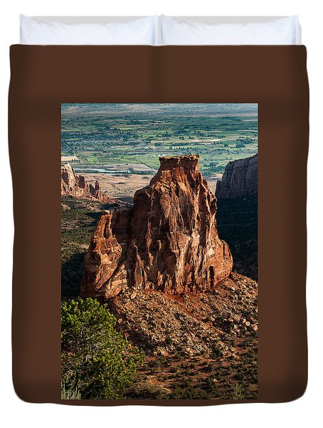 Duvet Cover featuring the photograph Indepedence Rock by Jay Stockhaus
