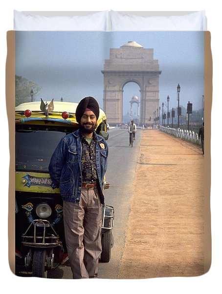 Duvet Cover featuring the photograph India Gate by Travel Pics