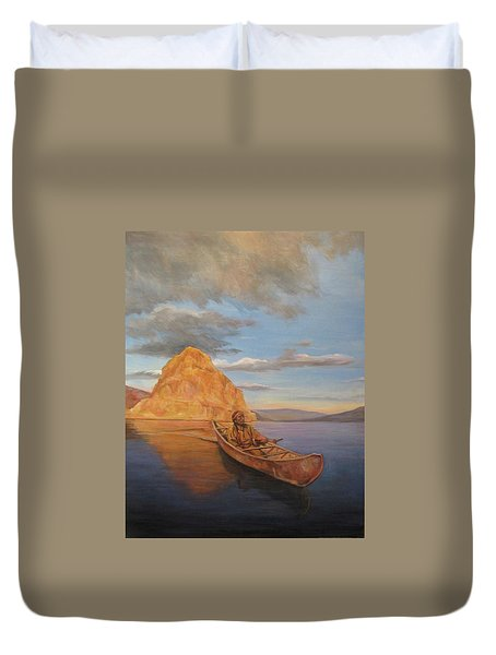 Indian On Lake Pyramid Duvet Cover
