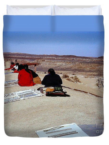 Indian Squaws Selling Bead Jewlery In Arizona Duvet Cover by Merton Allen
