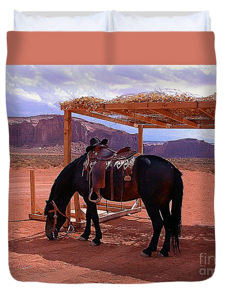 Indian's Pony In Monument Valley Arizona Duvet Cover