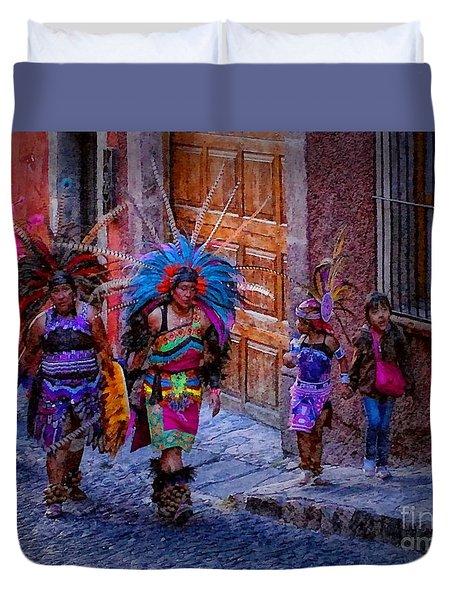 Indians Walking  On Pila Seca Duvet Cover