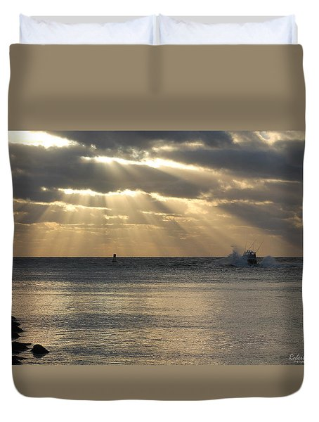 Into Dawn's Early Rays Duvet Cover
