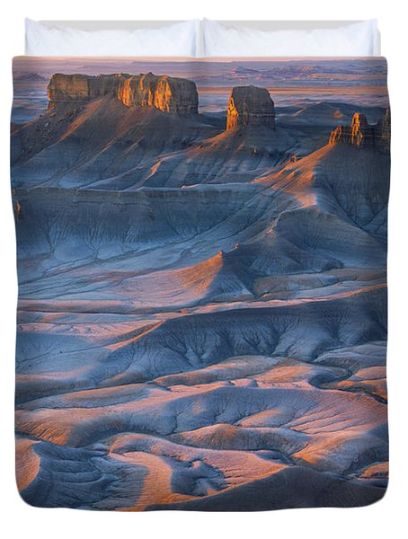 Into The Badlands Duvet Cover