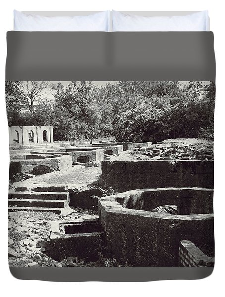 Into The Ruins 1 Duvet Cover