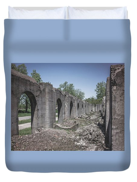 Into The Ruins 2 Duvet Cover