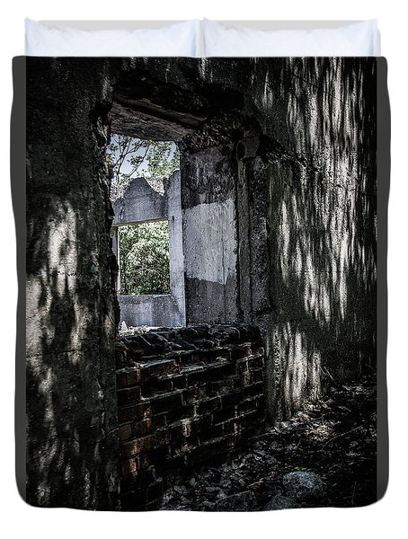 Into The Ruins 4 Duvet Cover
