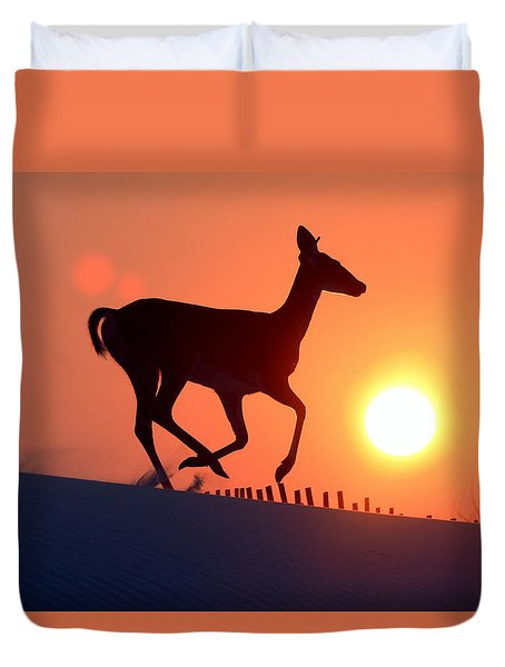 Into The Sunset Duvet Cover by Scott Mahon