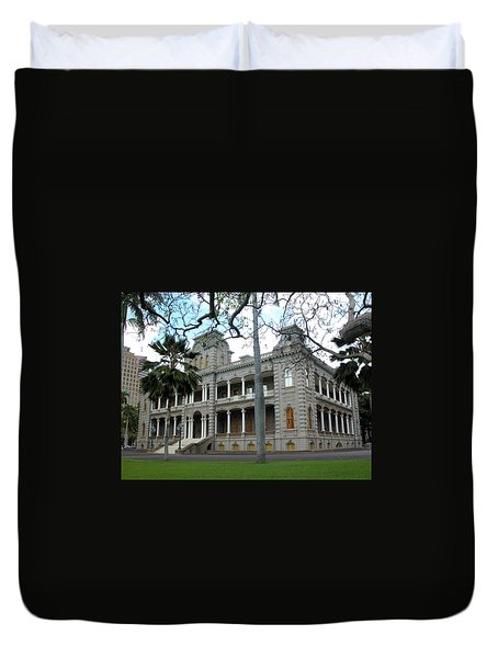 Duvet Cover featuring the photograph Iolani Palace, Honolulu, Hawaii by Mark Czerniec