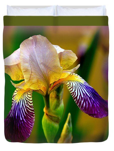 Iris Stepping Out Duvet Cover
