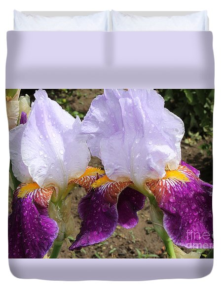 Irises Sparkling With Rain Droplets Duvet Cover