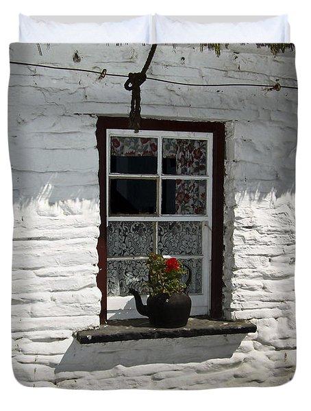 Irish Kettle Of Geraniums County Cork Ireland Duvet Cover by Teresa Mucha