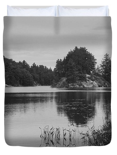 Island-carlyle Lake-killarney-bw Duvet Cover