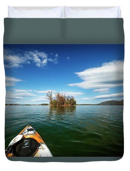 Duvet Cover featuring the photograph Island Destination by Alan Raasch