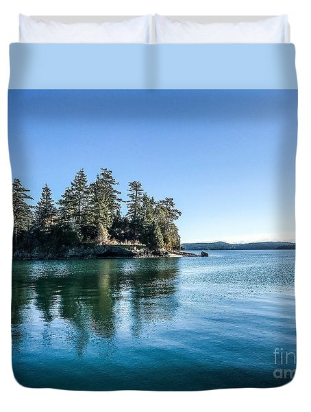 Island In West Sound Duvet Cover